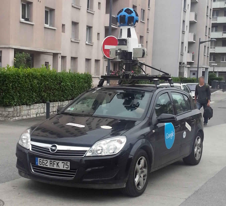 Google_Street_View_Car_aperçue_à_Grenoble